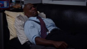 Brooklyn Nine-Nine S05E17 WEB x264-TBS EZTV