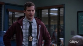 Brooklyn Nine-Nine S06E16 HDTV x264-KILLERS EZTV