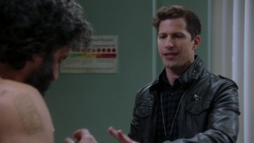 Brooklyn Nine-Nine S07E03 iNTERNAL 720p WEB H264-AMRAP EZTV
