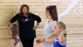 Dance Moms S07E01 Fight for Your Life WEB h264-CRiMSON EZTV