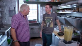 Diners Drive Ins And Dives S31E07 Savory with a Side of Sweet WEBRip x264-CAFFEiNE EZTV