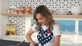 Giada Entertains S04E04 Jades Chocolate Factory 720p HDTV x264-W4F EZTV