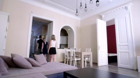 House Hunters International S135E06 Back to Her Roots in Budapest WEBRip x264-CAFFEiNE EZTV