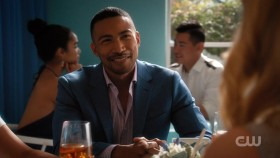Jane the Virgin S04E09 iNTERNAL 720p WEB x264-BAMBOOZLE EZTV