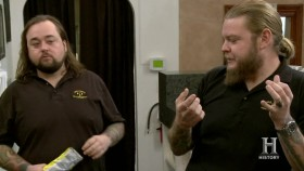 Pawn Stars S10E43 Motorcycle Mayhem iNTERNAL 720p HDTV x264-W4F veox.net