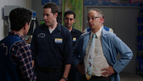 Superstore S05E11 Lady Boss 720p AMZN WEB-DL DDP5 1 H 264-NTb EZTV