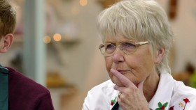 The Great British Bake Off S09E00 Christmas Special 720p HDTV x264-QPEL EZTV