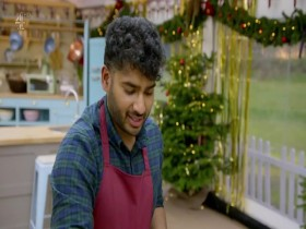 The Great British Bake Off S09E00 The Great New Years Bake Off 480p x264-mSD EZTV