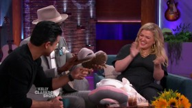 The Kelly Clarkson Show 2019 10 22 Mario Lopez WEB x264-CookieMonster EZTV
