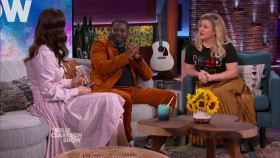 The Kelly Clarkson Show 2019 11 22 Whitney Cummings WEB x264-CookieMonster EZTV