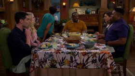 The Neighborhood S01E09 HDTV x264-SVA EZTV